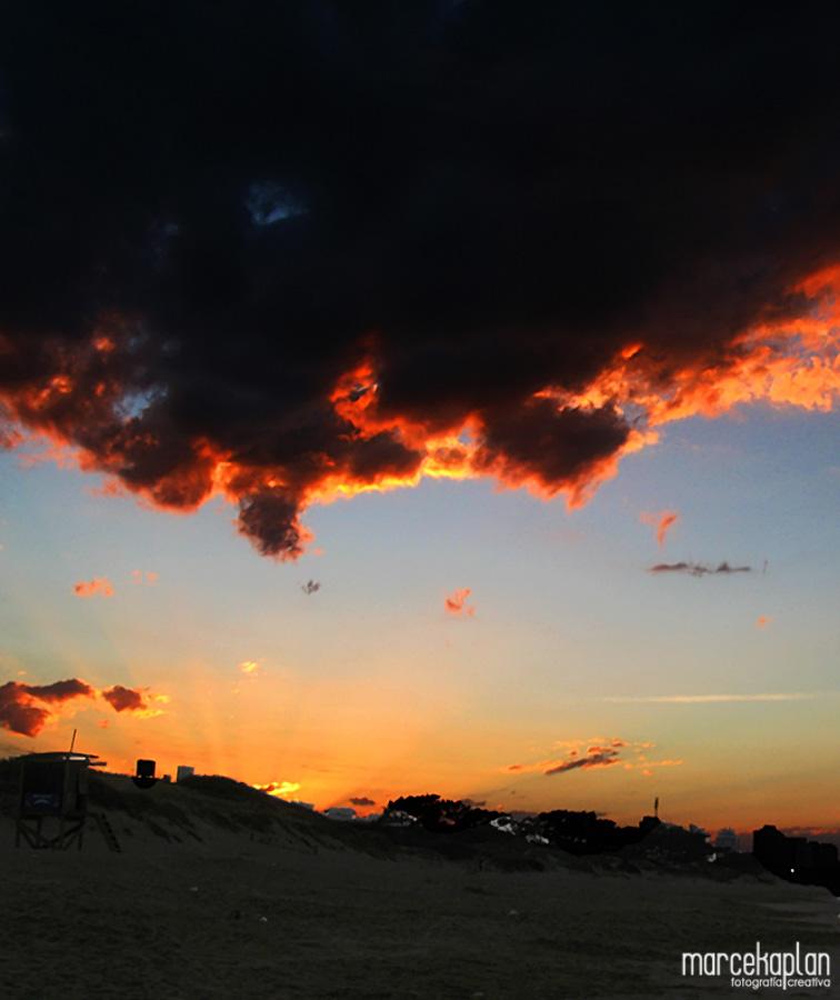 Amanecer en Punta del Este (Playa Mansa) de Marce Kaplan | Fotografía Creativa